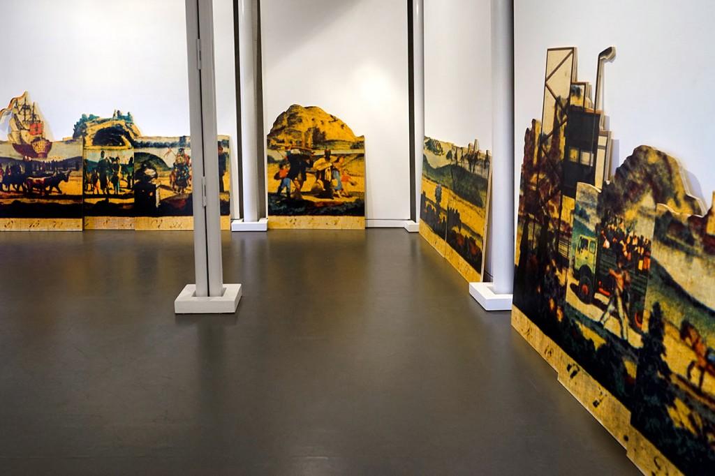 24-teilig; Pigmentdruck auf Holz;je +/- 200 cm x 100 cm, 2015